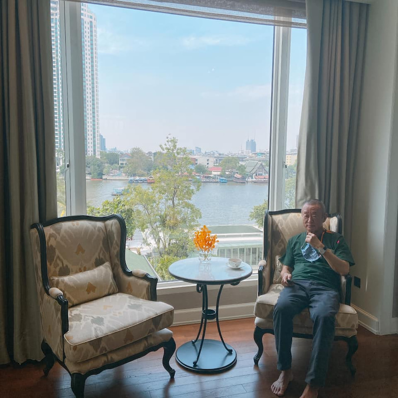 从窗户可以看到湄南河。